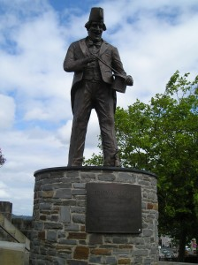 The bronze statue of Tommy Cooper in Caerphilly.