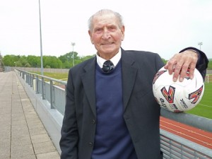 Bargoed-born football coach Ivor Powell has retired from the game aged 93