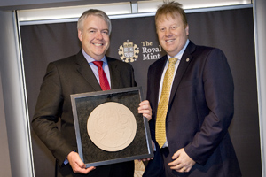 First Minister Carwyn Jones and the Royal Mint's Adam Lawrence
