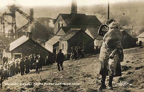 http://www.caerphillyobserver.co.uk/wp-content/uploads/2012/03/The-original-photograph-depicting-a-mother-and-child-at-the-Universal-Colliery-site-in-Senghenydd.jpg