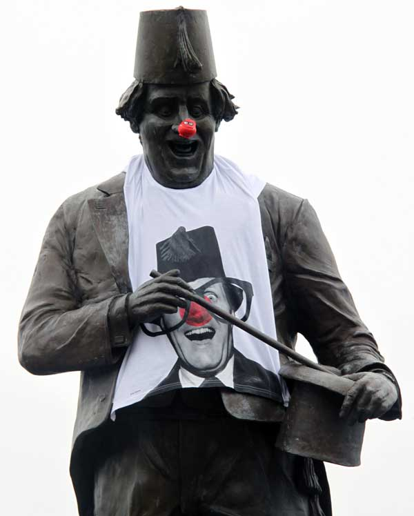Tommy Cooper with his red nose and t-shirt - picture by Rob Evans at lufcwls