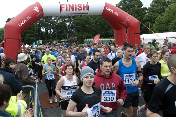 Around 1,700 runners took part in the first Caerphilly 10k race held Sunday