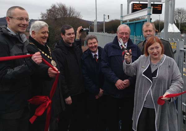 Mark Langman, Route Managing Director Network Rail Wales, (second from left) Cllr Michael Gray, Mayor of Caerphilly County Borough Council, (forefront) Edwina Hart AM, (far right) Jeff Cuthbert AM