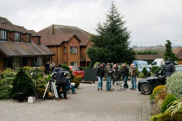 VALLEYWOOD: Television crews film 35 Diwrnod at a cul-de-sac in Maesycwmmer