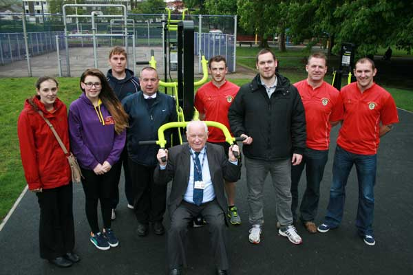 Pictured with Cllr David Poole (centre) are Caerphilly Youth Forum members Rosemarie Davies and Sophie Jones, ward members Cllr Mike Prew and Cllr James Pritchard, Sport Caerphilly Coach Rhys Mellor-Cretney, and Caerphilly RFC representatives Oliver Griffiths, Gareth Rice and Gareth Short