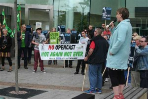 NO OPENCAST: Bethan Jenkins AM addresses the crowd