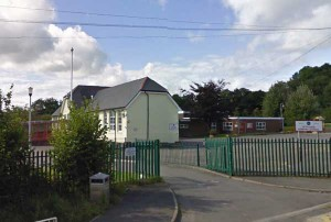 Public Health Wales have given vaccinations to 270 pupils and adults at Glyn-Gaer Primary School