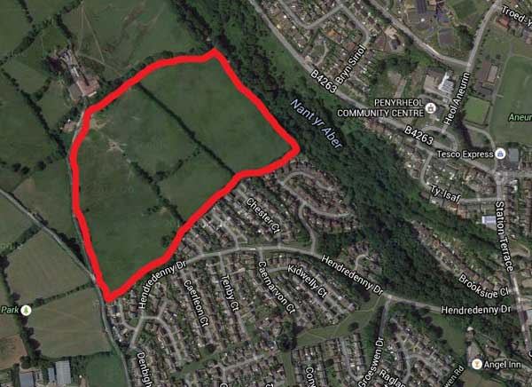 The application site to the north of the existing Hendredenny housing estate