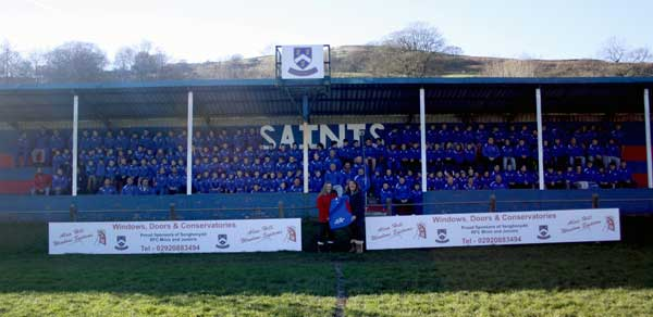 Senghenydd RFC has signed a new kit sponsorship deal with Alan Hill Window Systems.
