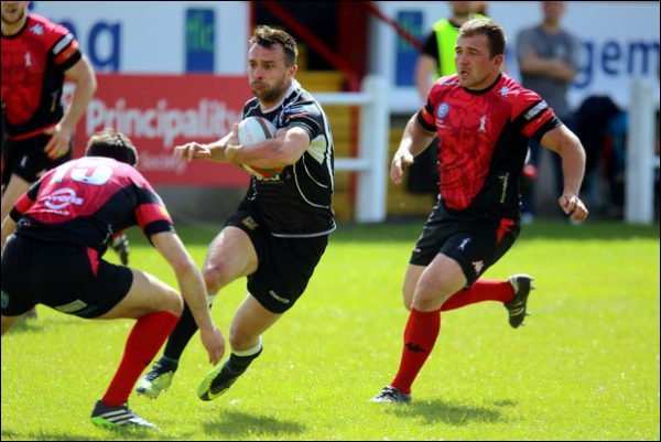Nicky Griffiths scored a fine try as Bedwas were beaten late on in the Premiership play-offs by Aberavon