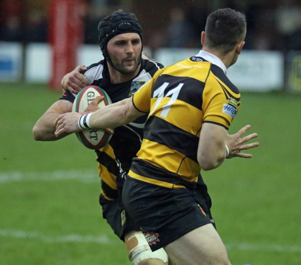 James Richards scored in the closing minute to secure a narrow win for Bedwas against Newport