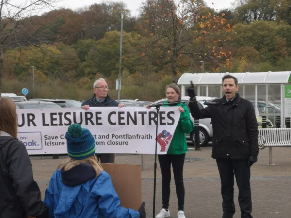 Islwyn MP Chris Evans spoke against council plans to close leisure centres