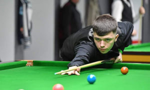 Snooker player Dylan Emery in action