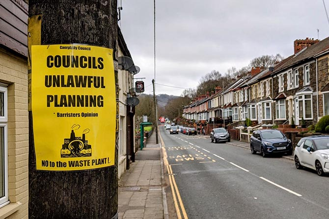 A banner on Maindee Road, Cwmfelinfach