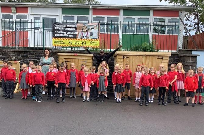 Angharad Jones with pupils at Pontllanfraith Primary School