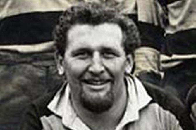 Tributes have been paid to Newbridge RFC icon Arthur Hughes